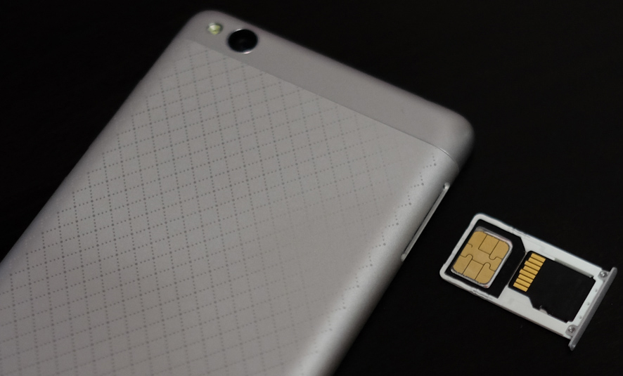 установка карты памяти на смартфон сяоми