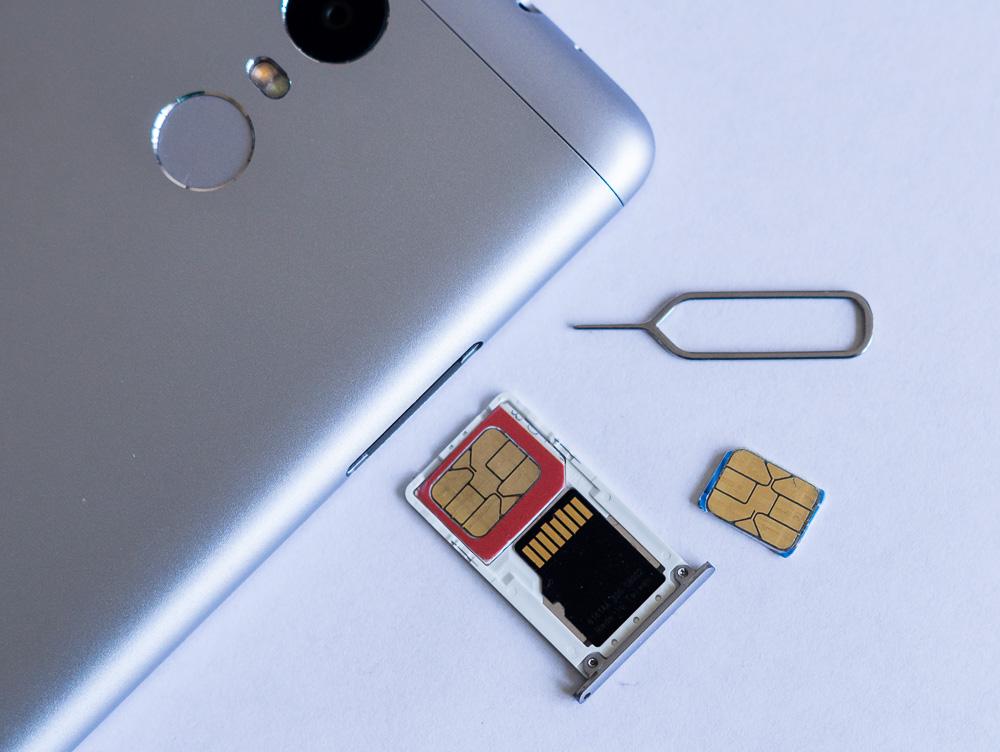 комбинированный слот на Xiaomi