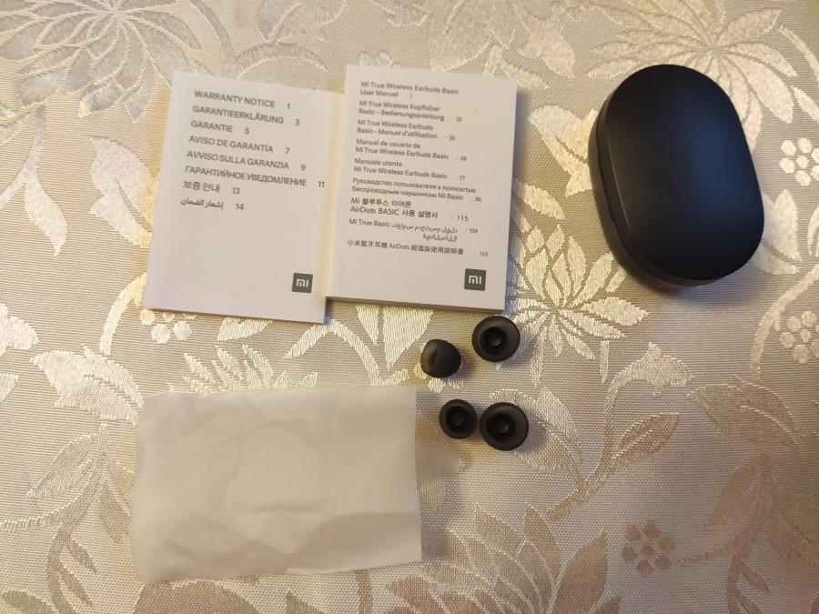 ne-rabotaet-odin-naushnik-mi-true-wireless